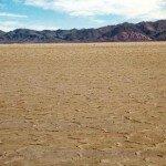 dno dawnego salaru na pustyni Atacama