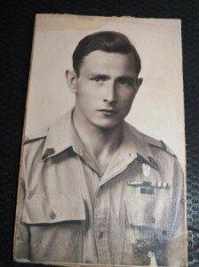 Zbyszek Gębarski w mundurze II Korpusu gen. Andersa