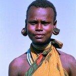 piękna kobieta z plemienia Tatoga